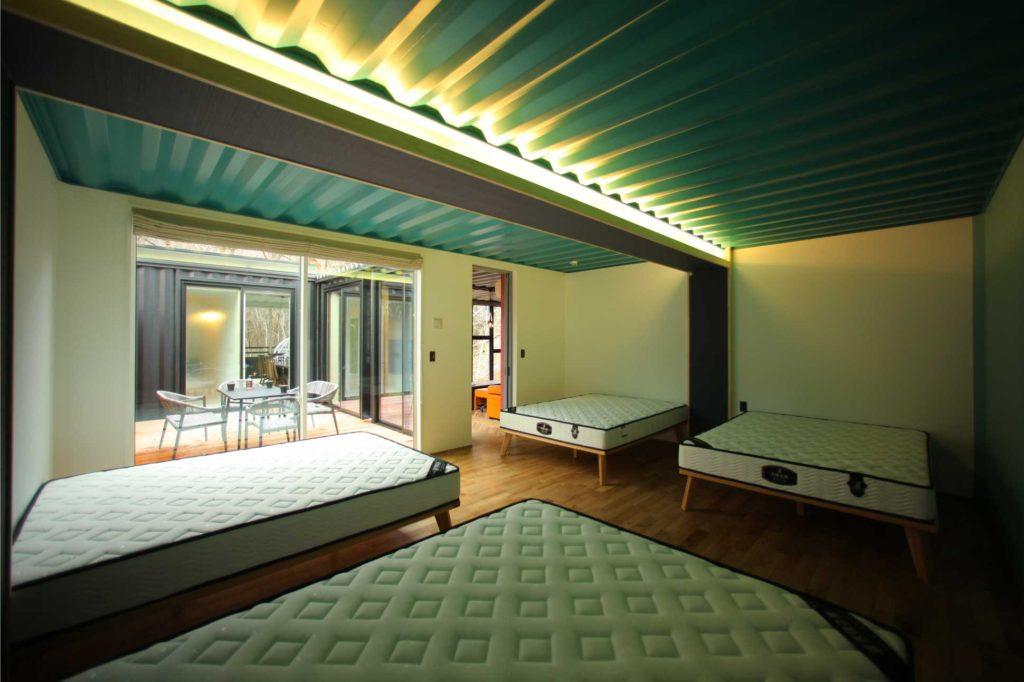 コンテナ 貸別荘 ホテル